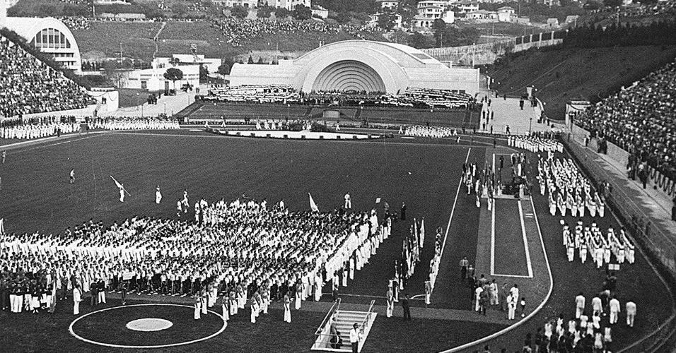Na inauguração do Pacaembu, em 1940, uma das principais atrações era a concha acústica, local em que hoje está o tobogã
