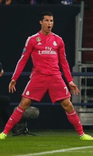 Cristiano Ronaldo grita para comemorar gol do Real Madrid na Liga dos Campeões