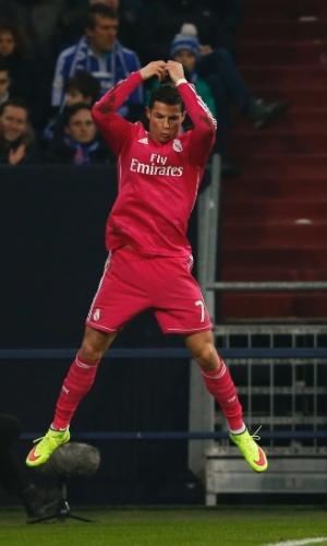 Cristiano Ronaldo salta para comemorar gol do Real Madrid na Liga dos Campeões
