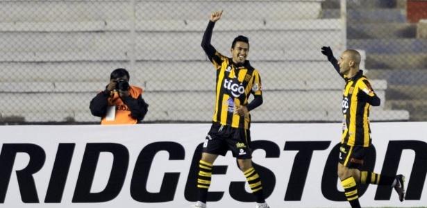 Rodrigo Ramallo comemora gol do The Strongest contra o Inter pela LIbertadores 2015