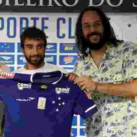 Gabriel Xavier ao lado de Gabriel Pensador, no Cruzeiro - Washington Alves / Light Press
