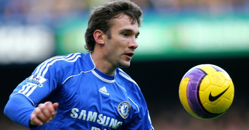 Shevchenko em ação pelo Chelsea em 2007
