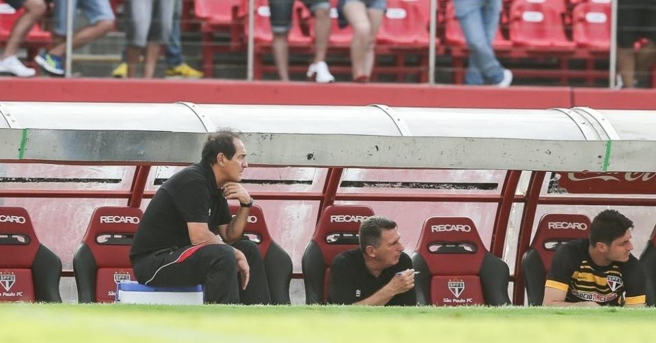 Após derrota para o Corinthians no meio de semana, Muricy Ramalho foi muito criticado. Neste sábado, o técnico do São Paulo teve seu nome gritado pela torcida