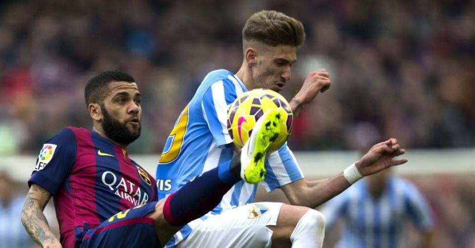 Daniel Alves em ação pelo Barcelona