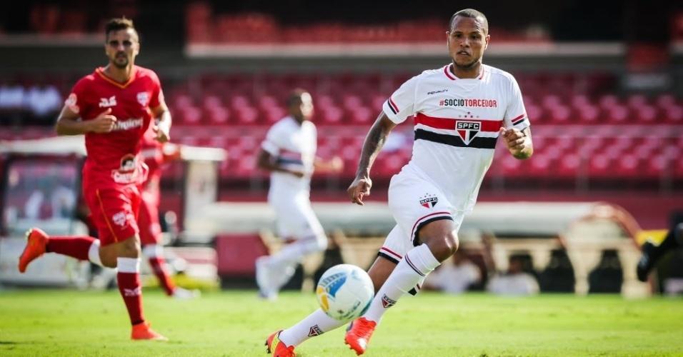 Luís Fabiano em ação pelo São Paulo contra o Audax pela 6ª rodada do Paulistão