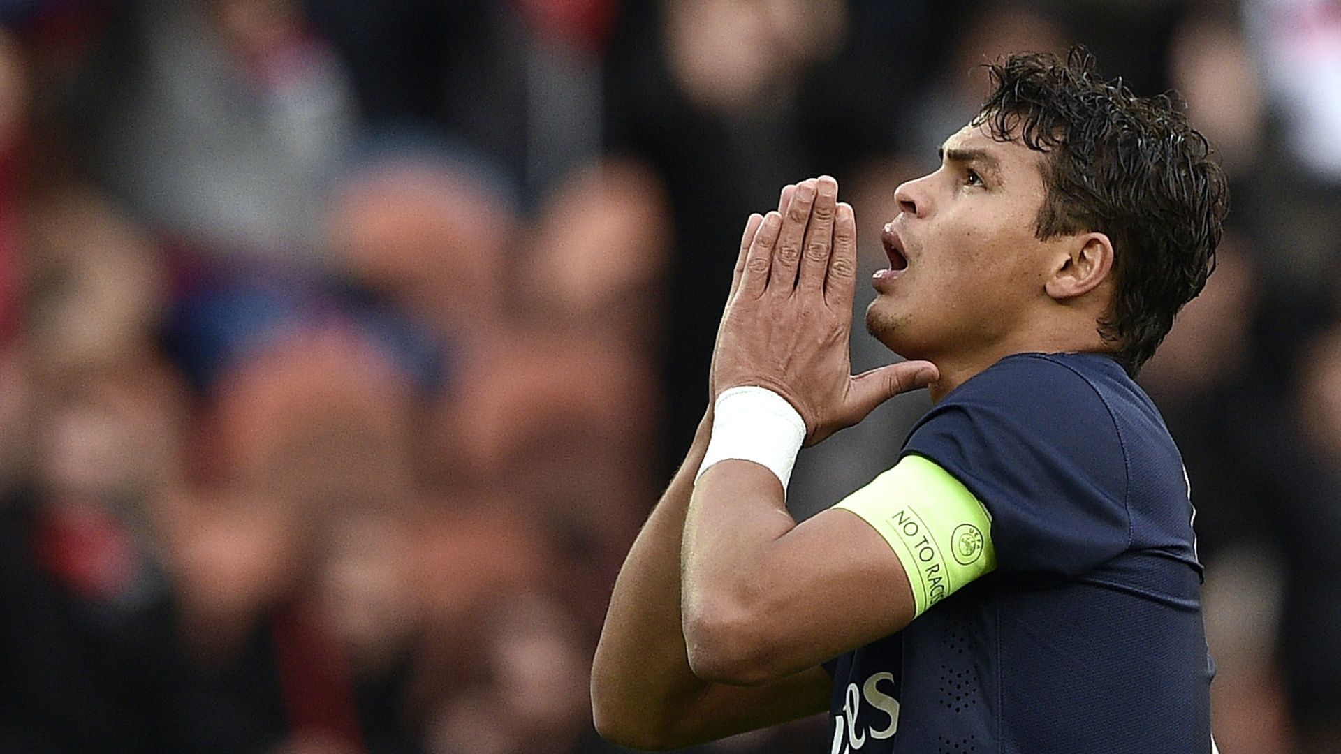Thiago Silva lamenta chance perdida pelo PSG contra o Toulouse, pelo Francês