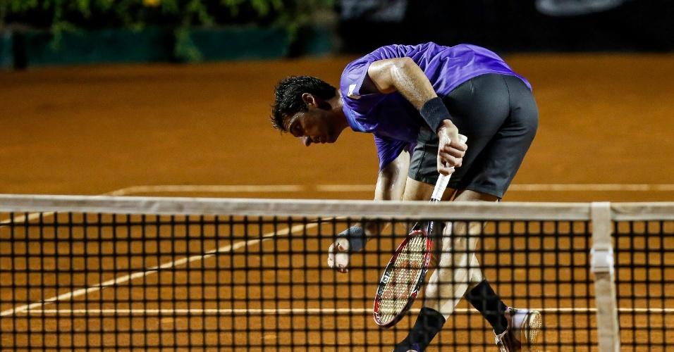 Bellucci joga pressionado em Buenos Aires