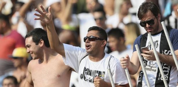 Santos quer levar mais jogos para o Pacaembu