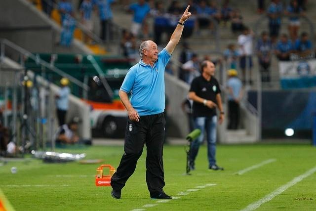 23 fev 2015 - Felipão comanda o Grêmio em empate em 0 a 0 com o Juventude, na Arena