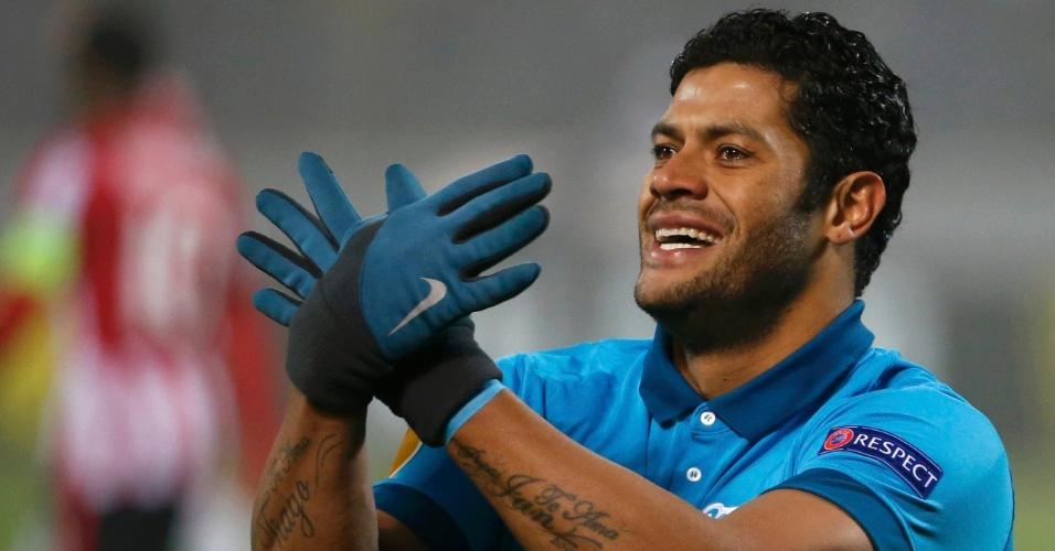 Hulk comemora o segundo gol do Zenit contra o PSV na Liga Europa
