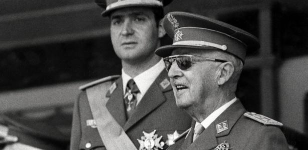 Rivais do Real argumentam que Franco (d) ajudou com estádio, Di Stéfano e arbitragem