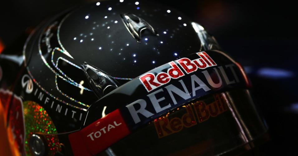 Capacete especial de Sebastian Vettel no GP de Cingapura de 2012