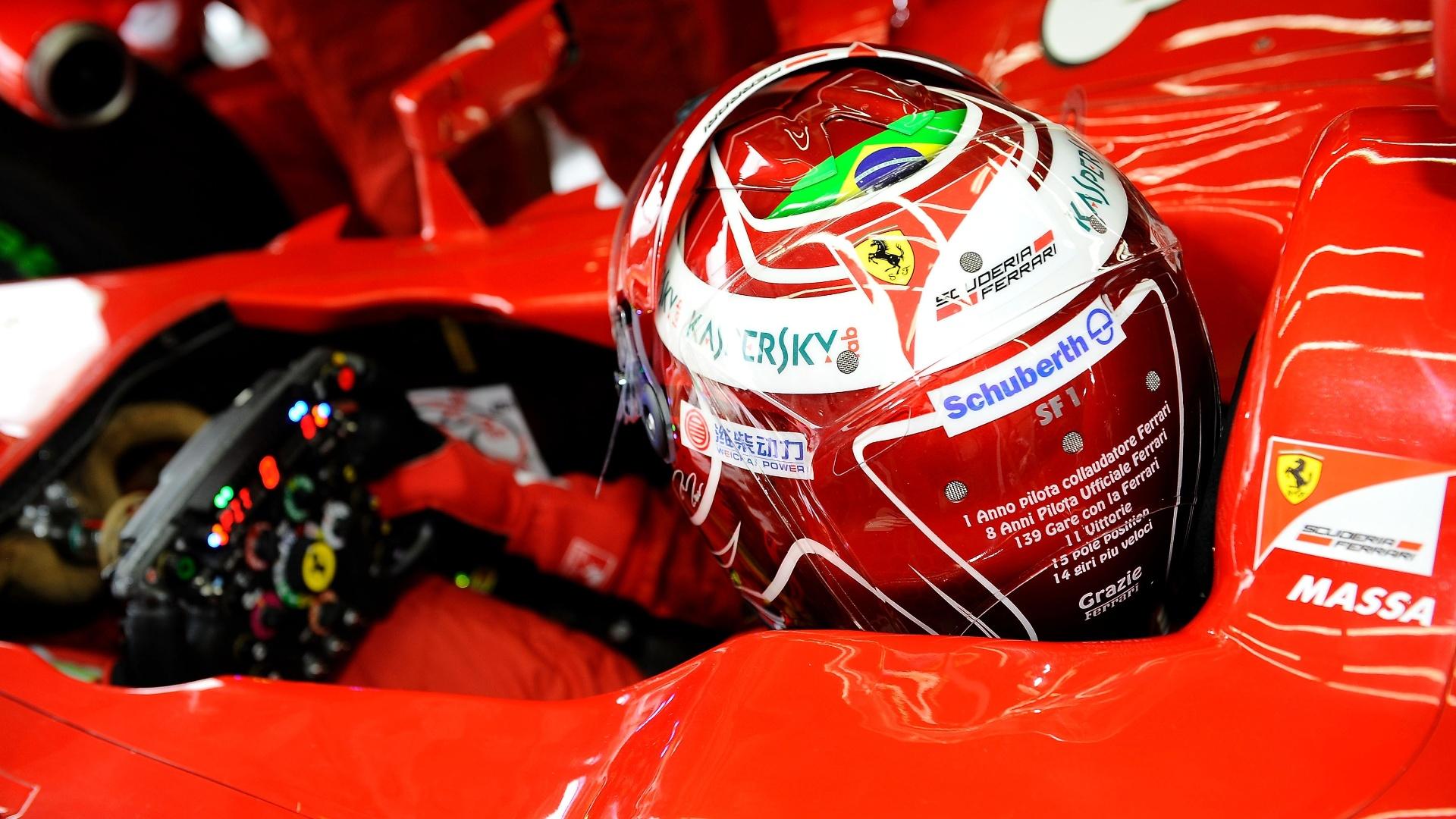 Felipe Massa usa capacete comemorativo no GP do Brasil de 2013