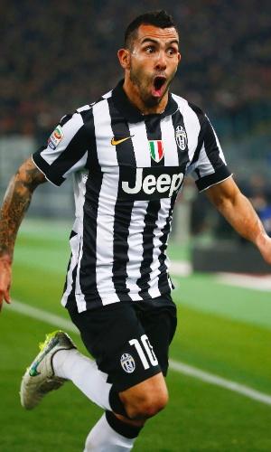 Tevez comemora seu 15º gol pela Juventus no Campeonato Italiano