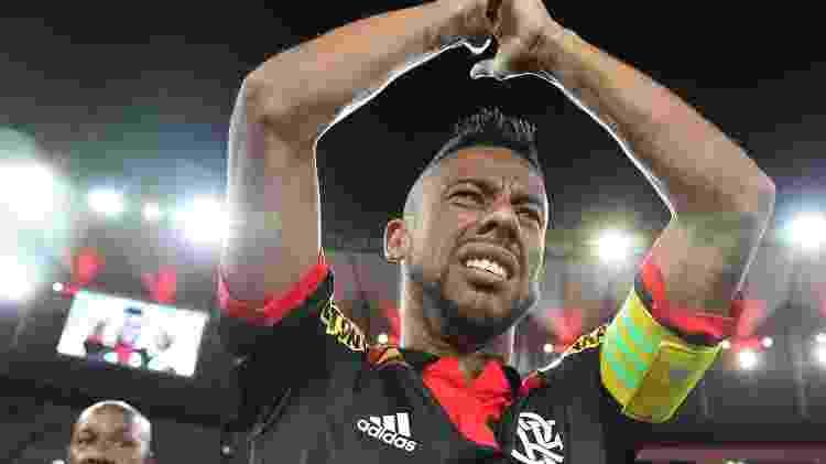 Léo Moura durante sua passagem pelo Flamengo - Gilvan de Souza / Site oficial do Flamengo