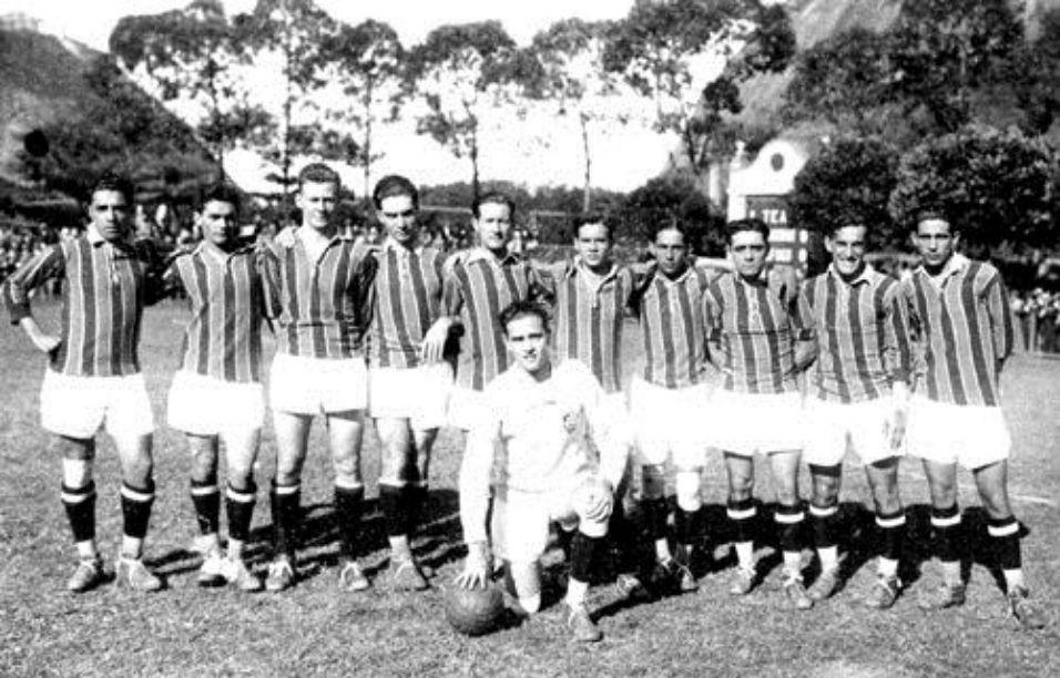 O inglês Henry Welfare (o quinto jogador da esquerda para a direita) é o estrangeiro com mais gols marcados no Brasil. O atacante fez 161 gols pelo Fluminense e conquistou o tricampeonato carioca de 1917, 1918 e 1919
