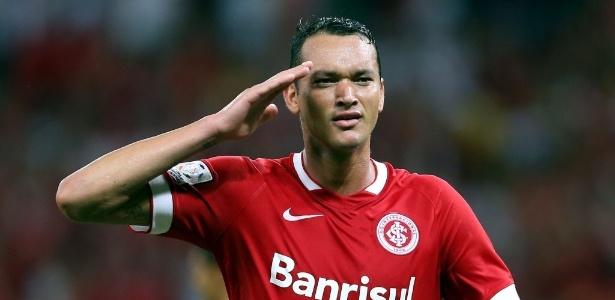 Réver terá nova oportunidade na zaga do Internacional diante do São Paulo-RS, domingo