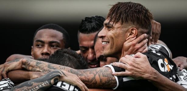 Manter a harmonia do elenco, mesmo em meio a atrasos, é desafio no Corinthians - Ricardo Nogueira/Folhapress