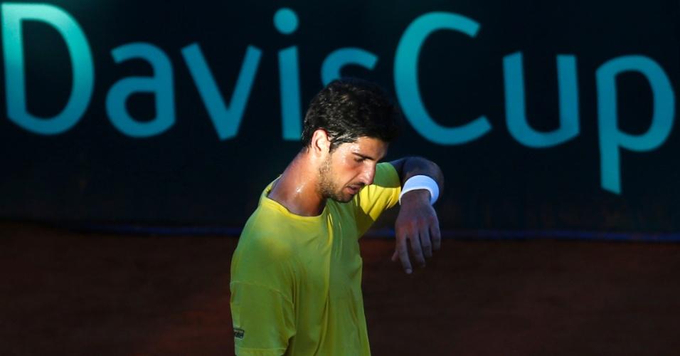 Thomaz Bellucci durante partida contra Federico Delbonis, pela Copa Davis