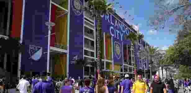 Torcedores do Orlando City chegam ao estádio para ver um jogo do time - Alex Menendez/Getty Images