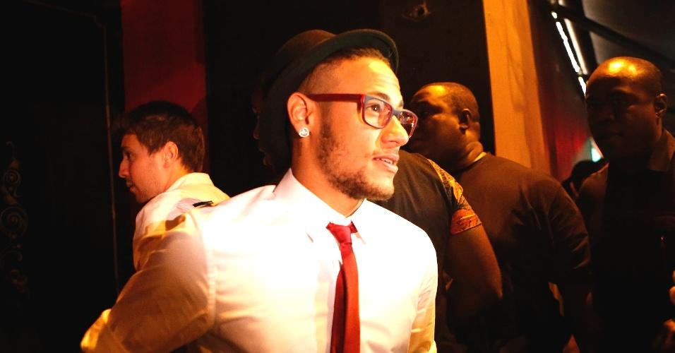 Neymar, suspenso da última partida do Barcelona, teve quatro dias de folga e aproveitou para vir ao Brasil e curtir o aniversário da irmã