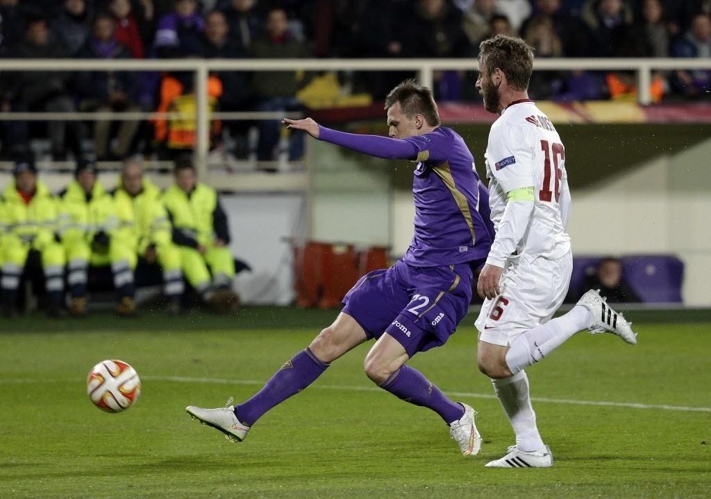 Ilicic finaliza para fazer 1 a 0 para a Fiorentina contra a Roma