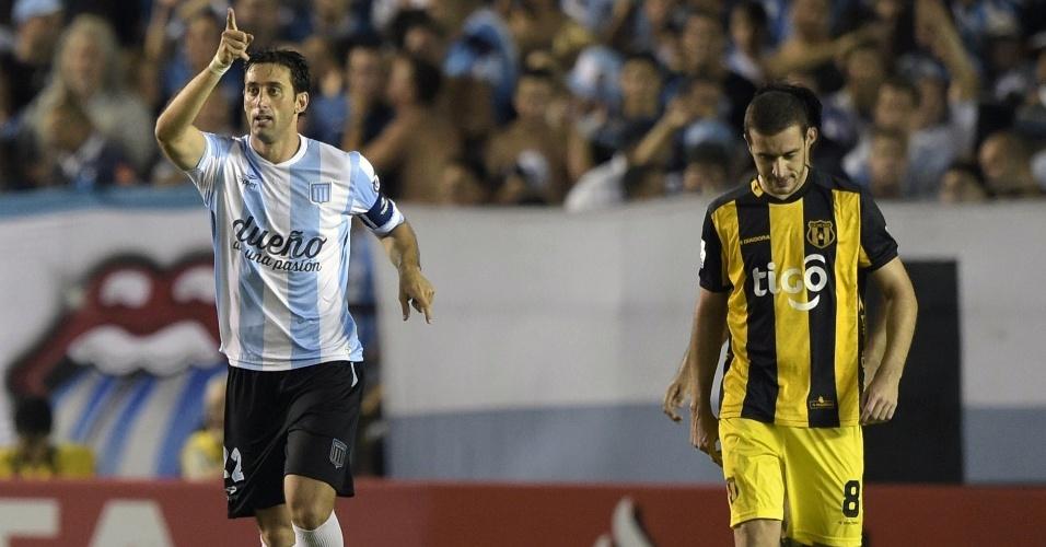 22043798ef Eles estão por perto! Relembre jogadores que ainda defendem times do  futebol sul-americano