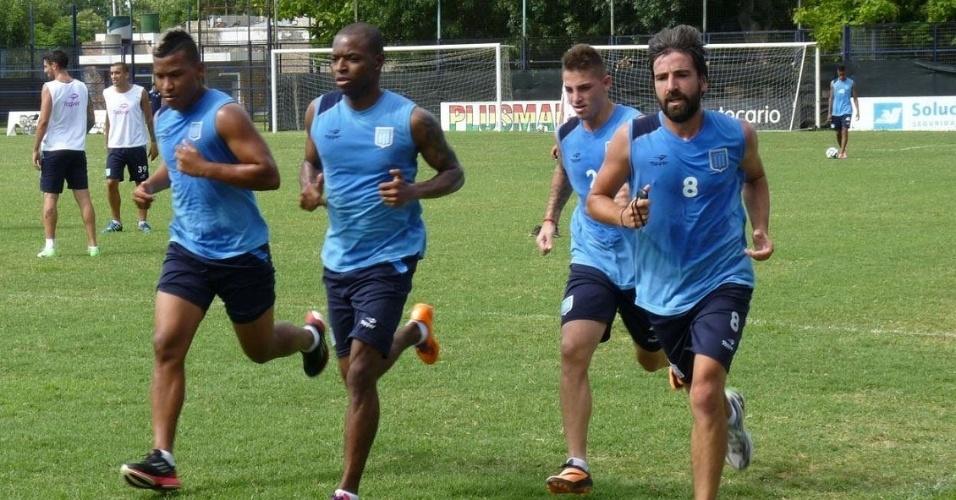 Renteria e companheiros do Racing durante atividade do time argentino