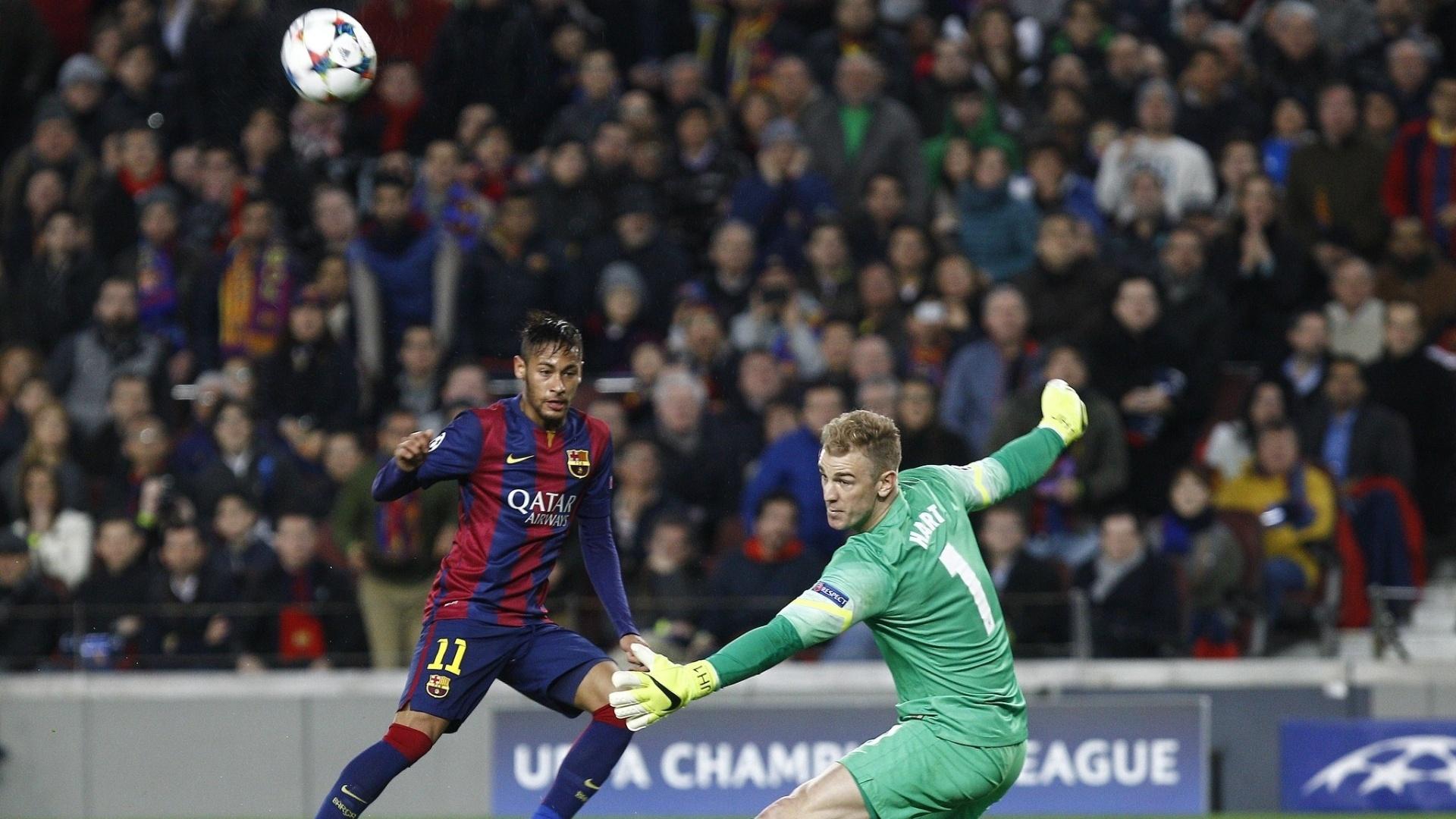 Neymar perde grande chance diante de Joe Hart, durante a partida entre Barcelona e Manchester City