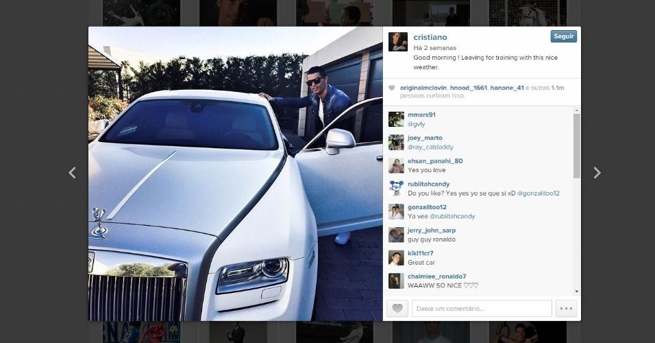 Cristiano Ronaldo posta foto no Instagram ostentando seu novo carro, um Rolls Royce Phantom