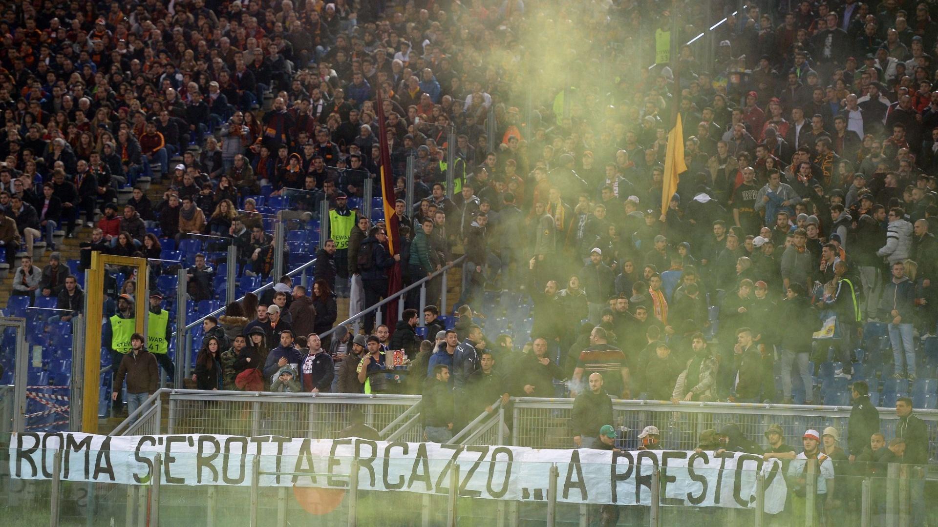 Irritada, torcida da Roma deixa recado para a equipe
