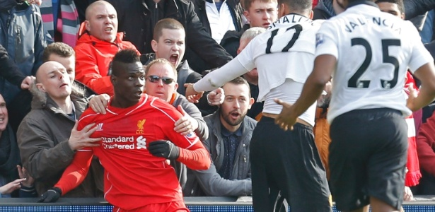 Balotelli está encostado no Liverpool e busca mercados menos atraentes para jogar
