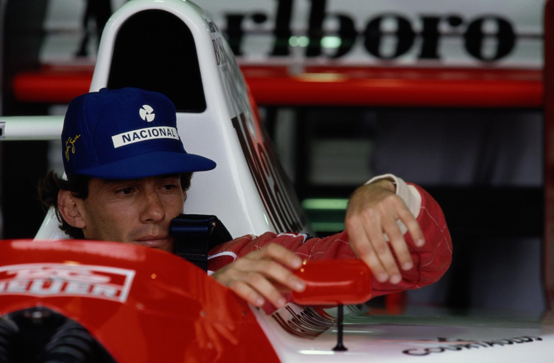 Vitória cedida por ordem e briga com Mansell. Conheça 10 histórias de Senna  - 20 10 2015 - UOL Esporte dc33cdf0894