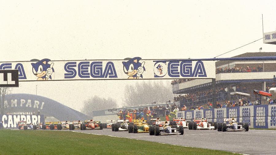 Largada do GP de Donington Park em 1993 - Pascal Rondeau /Allsport