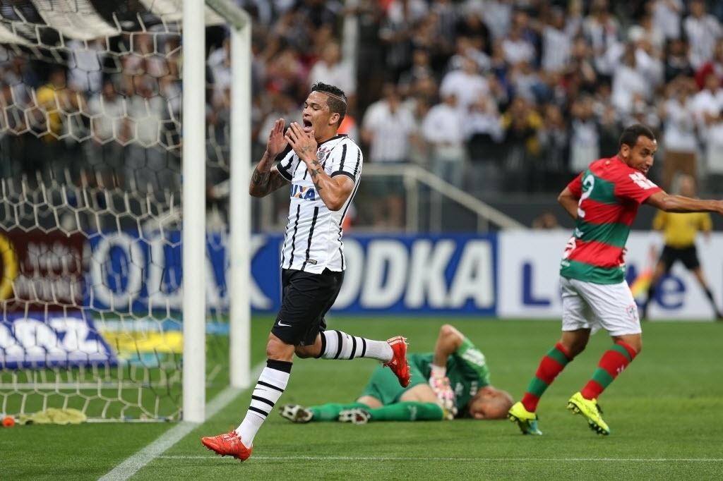 Luciano lamenta chance desperdiçada pelo Corinthians contra a Portuguesa