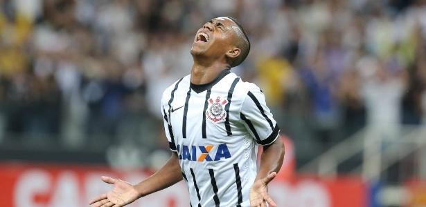 Malcom fez os dois gols do Corinthians diante da Portuguesa, na terça-feira