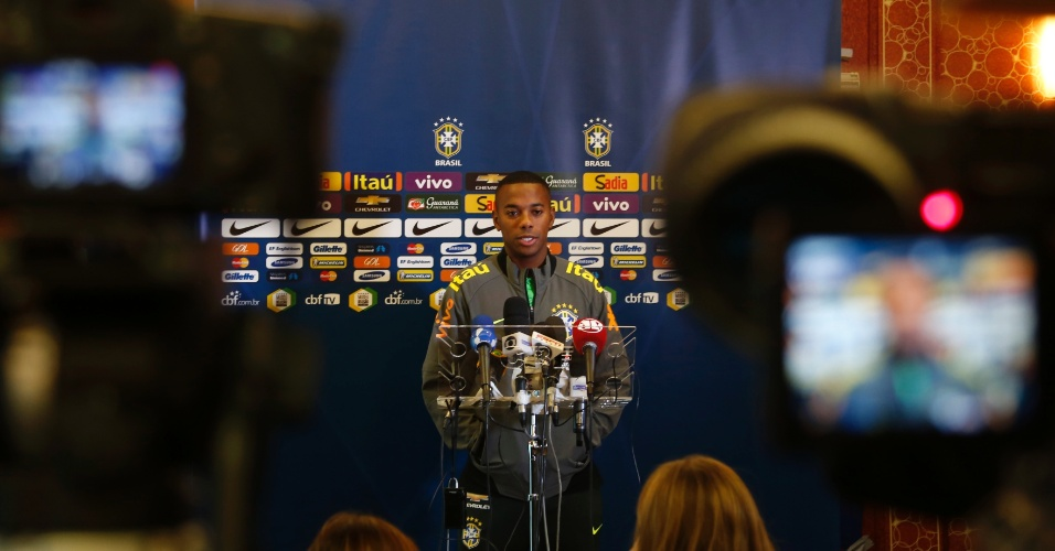 Atacante do Santos começará o amistoso contra a França na reserva. Dunga testará o ataque com Neymar e Firmino