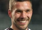Podolski sai do banco e evita a derrota da Alemanha para a Austrália - DANIEL ROLAND / AFP