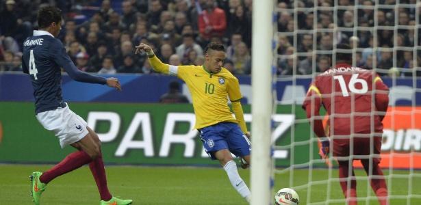 Palco do jogo entre França e Brasil, Stade de France foi alvo de ataque de novembro