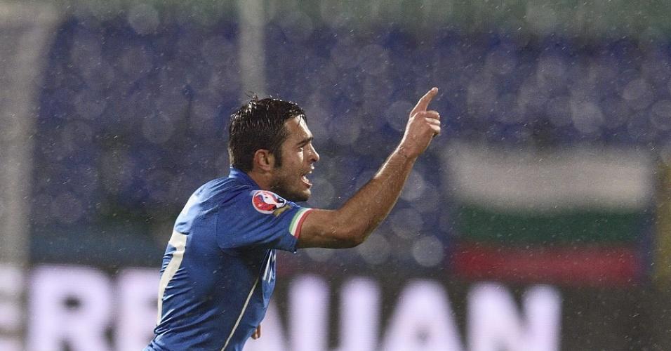 Brasileiro Éder, naturalizado, comemora gol da Itália no empate por 2 a 2 com a Bulgária pelas eliminatórias da Euro 2016