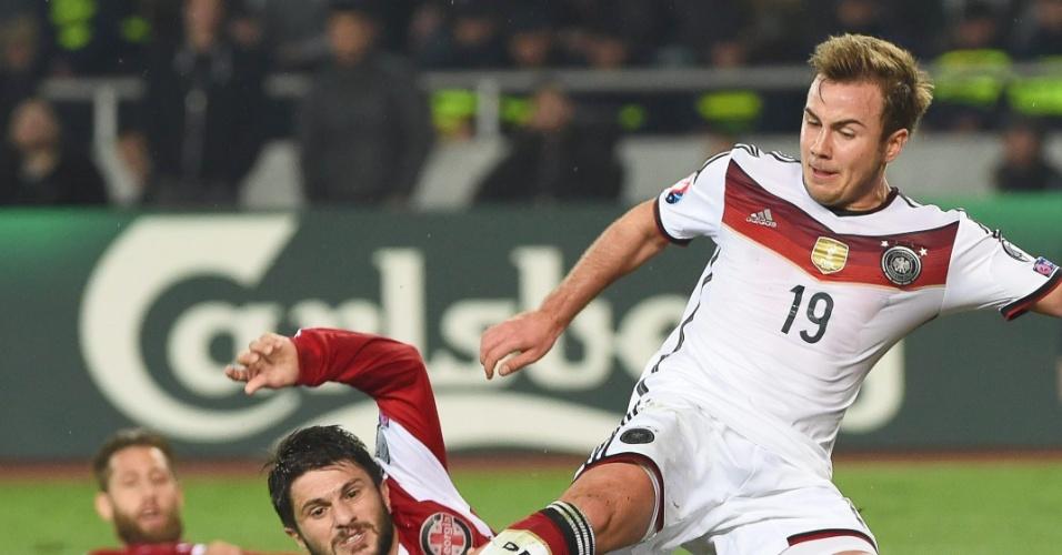 Gotze em ação pela Alemanha, na vitória por 2 a 0 sobre a Geórgia