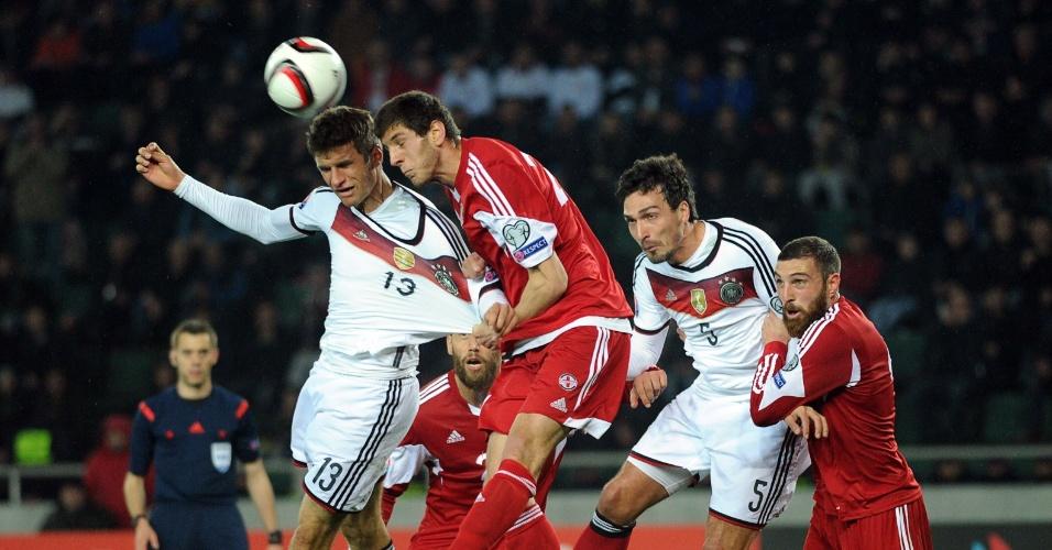 Thomas Muller leva puxão na vitória da Alemanha sobre a Geórgia