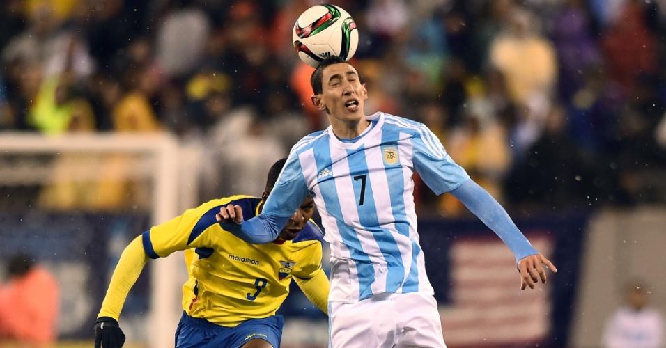 Di María em ação durante amistoso da Argentina com a seleção do Equador