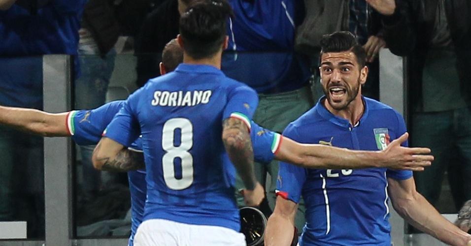 Seleção italiana comemora gol marcado em amistoso contra a Inglaterra