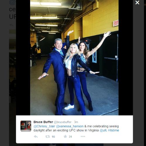 Bruce Buffer e ring girls