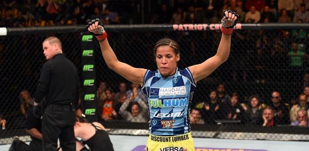 Julianna Peña criticou outras lutadoras peso galo do UFC e quer chance por cinturão - Getty Images