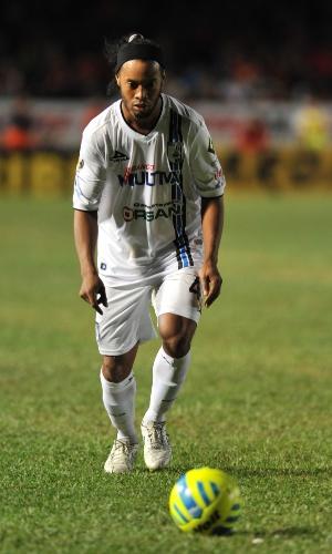 Ronaldinho Gaúcho, em campo pelo Querétaro