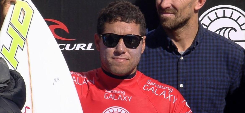 Adriano de Souza vai ficar seis meses afastado das atividades - Reprodução/WSL