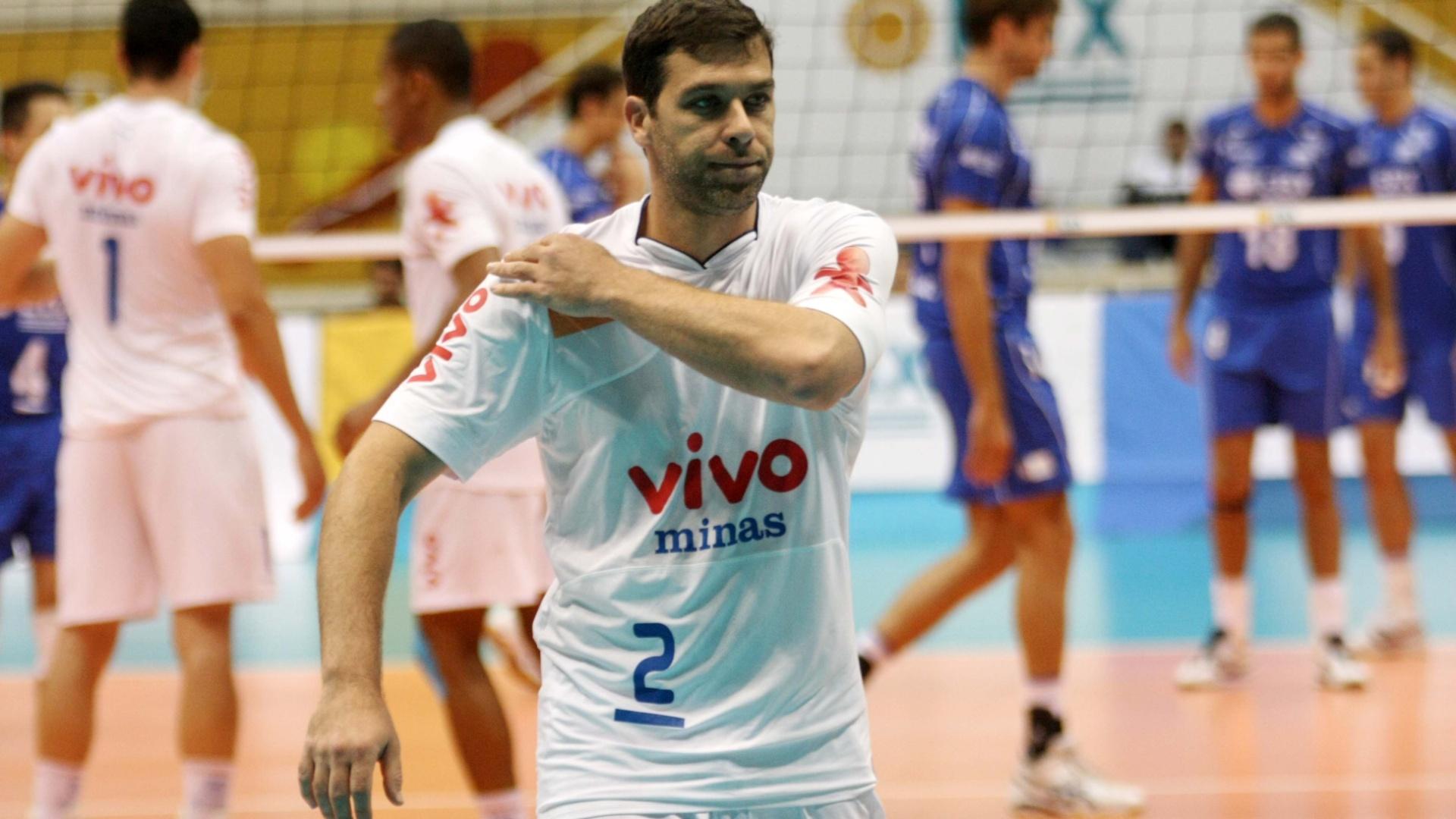 Antes de chegar ao Sesi-SP, Marcelinho passou pelo Minas, clube no qual ficou por três temporadas