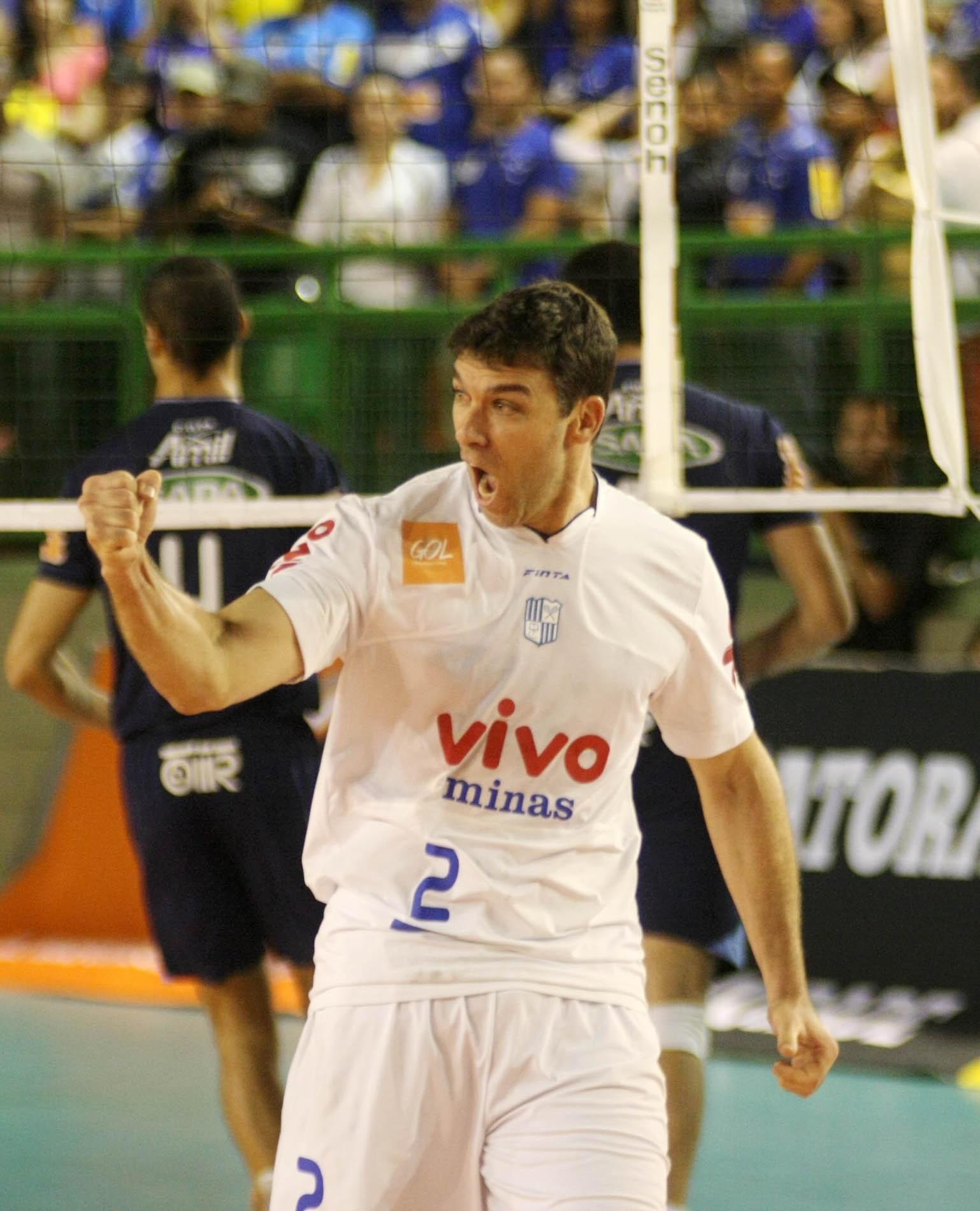 Pelo time mineiro, Marcelinho chegou três vezes às semifinais